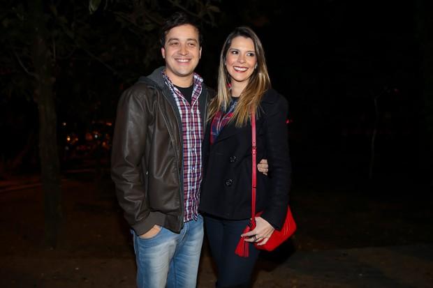 Rafael Cortez e a namorada (Foto: Manuela Scarpa/Brazil News)