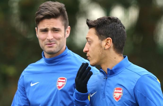 Treino Arsenal Giroud e Ozil Liga dos Campeões (Foto: Getty Images)