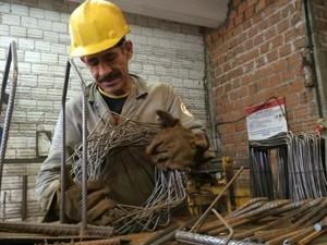 Auxiliar de produção está entre as vagas ofertadas pelo PAT (Foto: Caetanno Freitas/G1)