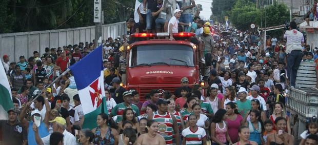 Cametá fez a festa com a torcida após a conquista de 2012 (Foto: Tarso Sarraf/O Liberal)
