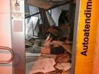 Quadrilha explode caixas eletrônicos e atira em policial em Itaju