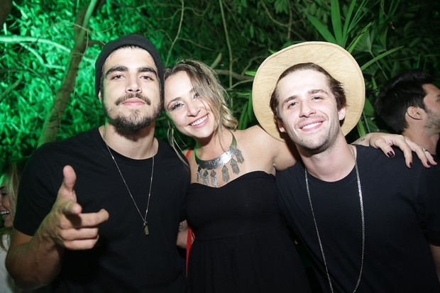 Caio Castro, Keila Zago e Gil Coelho (Foto: Miguel Sá/ Divulgação)
