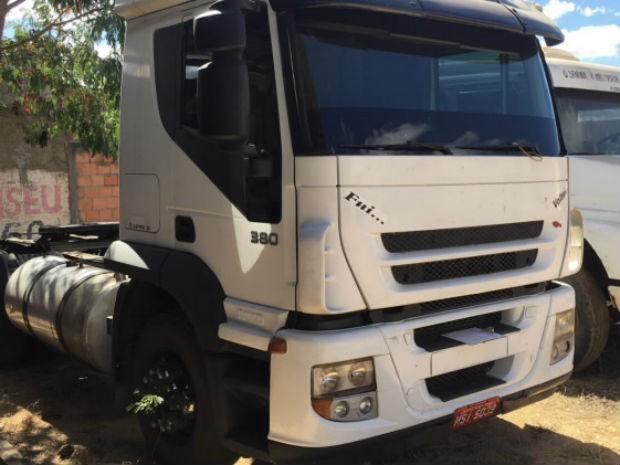 Caminhão foi apreendido em um galpão que pertence ao vereador (Foto: Polícia Civil/Divulgação)