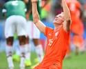 Sol, sacrifício e um leão laranja: Kuyt faz tudo pela seleção holandesa