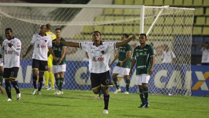 Icasa, Botafogo-PB, Série C, Romeirão (Foto: Normando Sóracles/Agência Miséria de Comunicação)