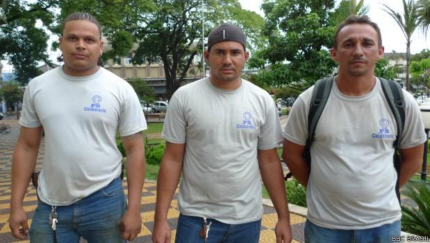 Da esquerda à direita, os operários Rafael Rocha Gomes, José Edval da Silva e Evaldo Barbosa Araújo (BBC Brasil), entrevistados na reportagem da BBC em outubro, disseram ter sido submetidos a maus tratos na construção da usina Biocom  (Foto: BBC)