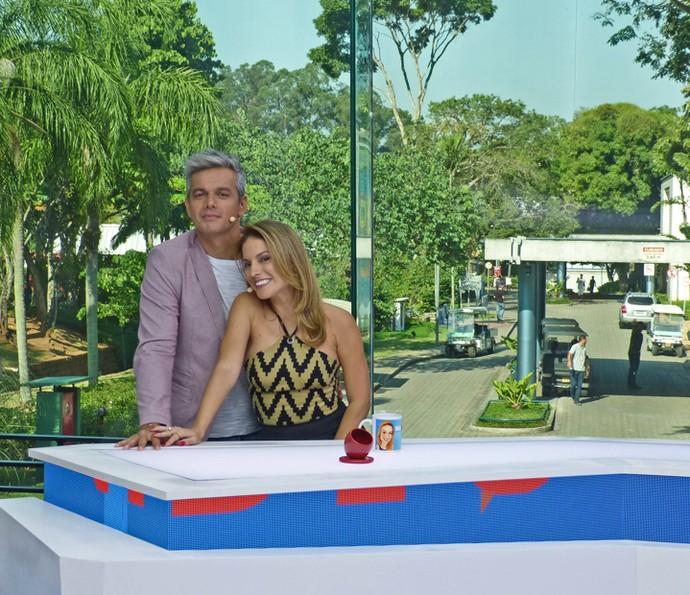 Apresentadores do 'Vídeo Show' vibram com o novo estúdio do programa (Foto: Brunella Menezes / Gshow)