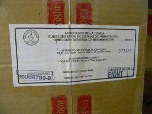 Cigarro veio do Paraguai e não tinha nota fiscal  (Foto: Nilton Cesar/Jornal Tribuna Lençoense)