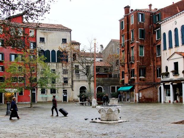 O Campo di Ghetto Nuovo, praça principal do gueto judaico em Veneza (Foto: Michelle Locke/AP)