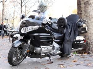 Serviço de moto-táxi em Paris tem motos grandes de alta cilindrada (Foto: Rafael Miotto/G1)