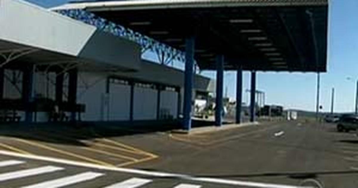 Aeroporto Em Sc : G azul retoma voos regulares entre florianópolis e