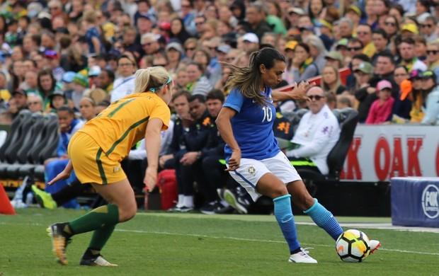 Marta em lance do amistoso diante da Austrália