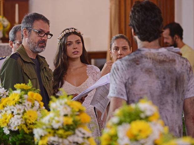 Isis, Pigossi, Daniel Dantas e Heloísa Périssé escutam as orientações do diretor Ricardo Waddington (Foto: Raphael Dias/Gshow)
