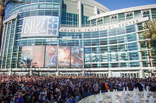 Fãs se reúnem para entrar na feira BlizzCon 2013 em Anaheim (Foto: Divulgação/Blizzard)