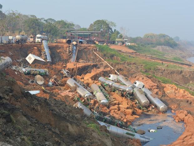 Funcionários estavam trabalhando no local quando acidente aconteceu em RO (Foto: Matheus Henrique/G1)