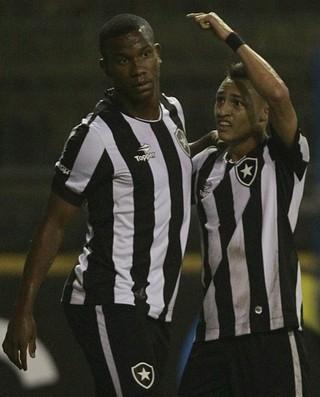 Ribamar, Neilton, Botafogo (Foto: Vitor Silva/SSPress/Botafogo)
