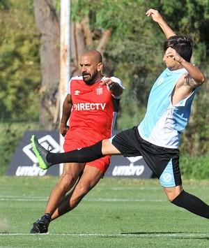 Verón durante um amistoso do Estudiantes (Foto: Site oficial do Estudiantes de La Plata)