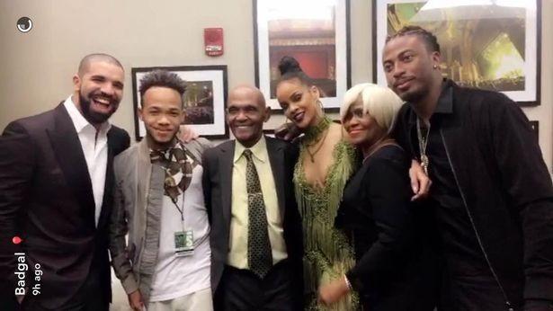 Drake conhece os família de Rihanna após VMA  (Foto: Snapchat / Reprodução)