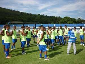 Jogadores participam de atividades no Leão do Sul (Foto: Walter Cardoso/Assessoria BMFC))