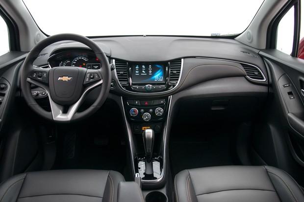 Chevrolet Tracker 2018 ganha versão Premier com controle ...