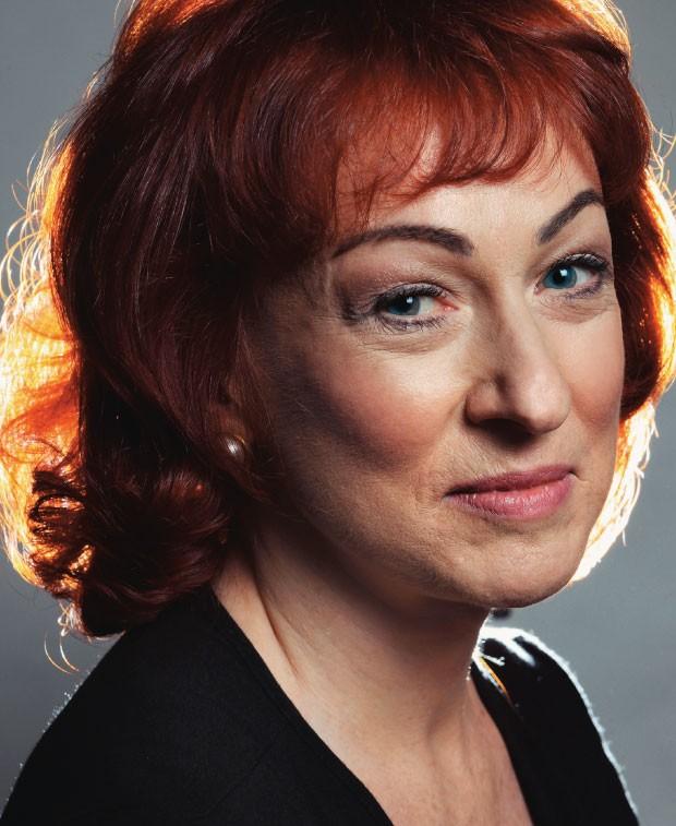 PRAGMÁTICA A socióloga britânica Catherine Hakim.  Em seu novo livro,  ela diz que as traições conjugais tornam os casais mais felizes  (Foto: Camera Press/Eamonn Mccabe)