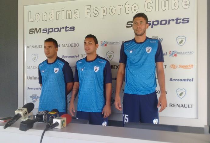 Oliveira, Alex Ruan e Pedrão: trio de reforços para o Londrina (Foto: Rodrigo Saviani)