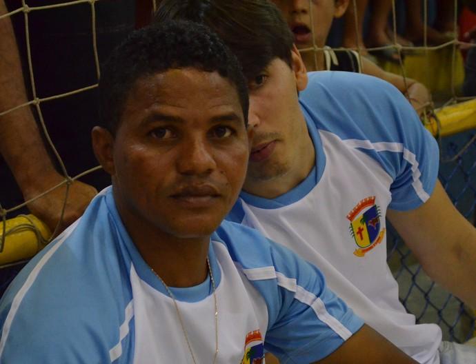 Glauber diz que aproveitará tempo para aperfeiçoar time (Foto: João Áquila)