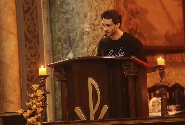Marcelo Schimt na missa de Cauby Peixoto (Foto: Iwi Onodera/ EGO)