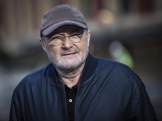 Phil Collins posa em Londres ao anunciar novos shows (Foto: Vianney Le Caer/Invision/AP)