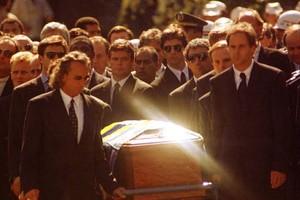 Ex-assessora revela veto a Alain Prost na primeira fila do caixão de Ayrton Senna (Wilson Pedrosa / Agência Estado)