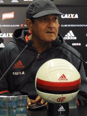 Muricy Ramalho durante coletiva após o treino do Flamengo (Foto: Fred Gomes)