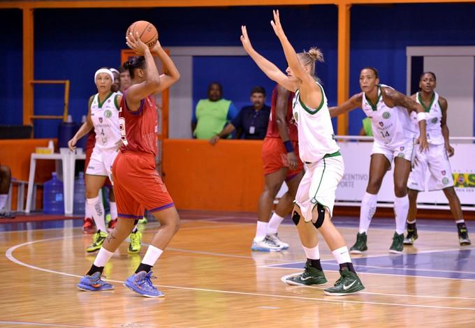 No primeiro turno, o América-PE passou fácil pela a equipe maranhense (Foto: Robson Neves/Divulgação)