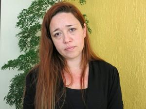 Irmã de Champignon está muito abalada com a morte do música (Foto: Mariane Rossi/G1)