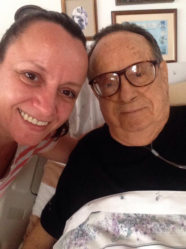 Roberto Bolaños e a filha (Foto: Reprodução/Twitter)