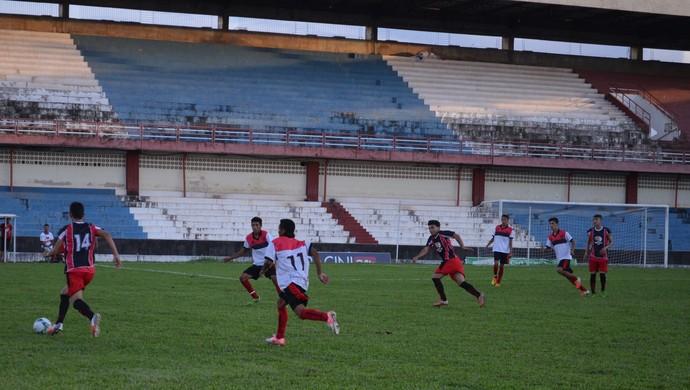 Flamengo da Prainha e Norte Clube ficaram no 1 a 1. (Foto: Weldon Luciano/GloboEsporte.com)