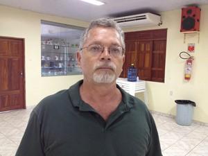 Irm�o de v�tima diz que faltou fiscaliza��o (Foto: Abinoan Santiago/G1)