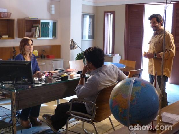 Virgílio se candidata a pai colaborativo do filho de Raissa (Foto: Malhação / TV Globo)