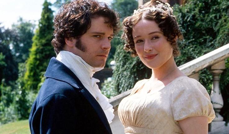 Darcy e Elizabeth na minissérie de 'Orgulho e Preconceito', lançada em 1995 (Foto: Divulgação )