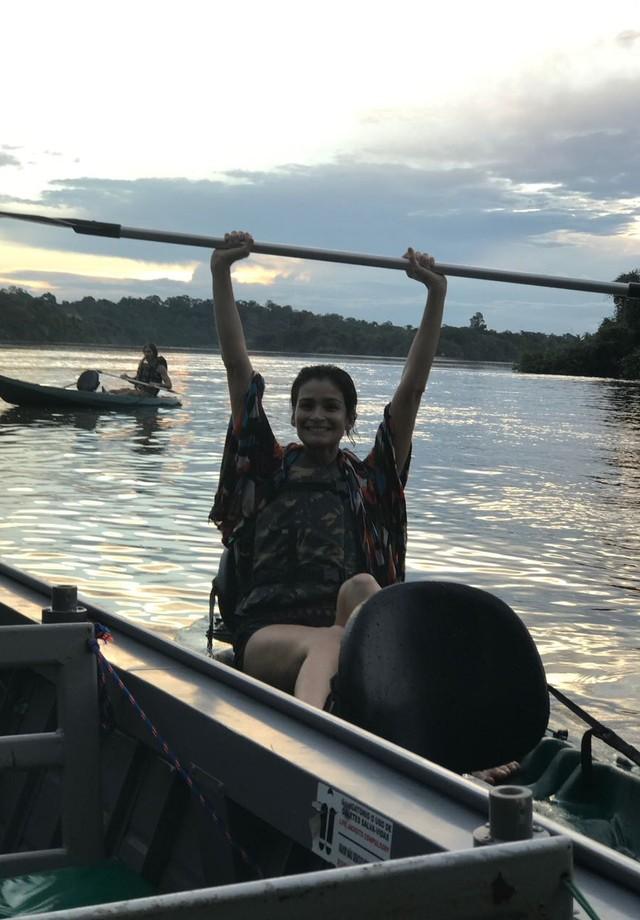 Carol Ribeiro na Amazônia (Foto: Divulgação )