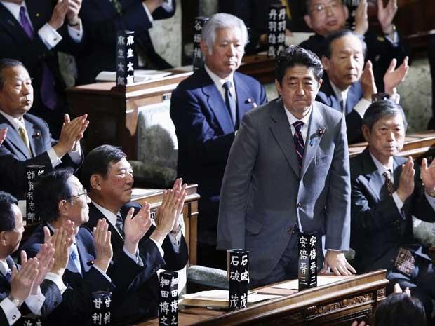 Shinzo Abe, líder do Partido Liberal-Democrata (PLD), é o novo primeiro-ministro do país, o sétimo nos últimos seis anos. Ele substitui a Yoshihiko Noda, do Partido Democrático (PD). (Foto: Toru Hanai / Reuters)