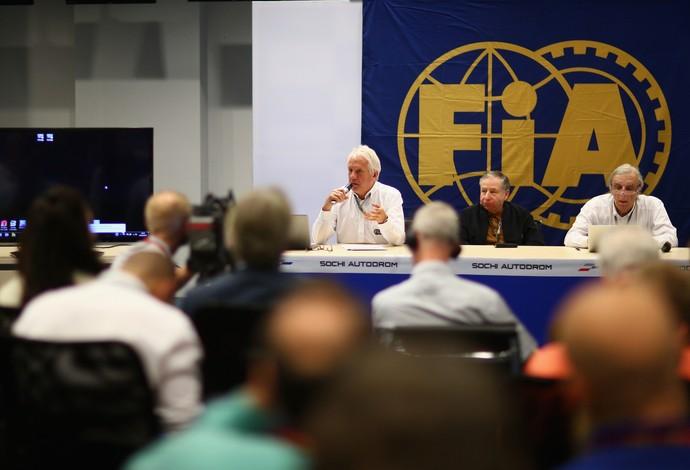 Charlie Whiting e Jean Todt em coletiva de imprensa da FIA em Sochi - GP da Rússia (Foto: Getty Images)