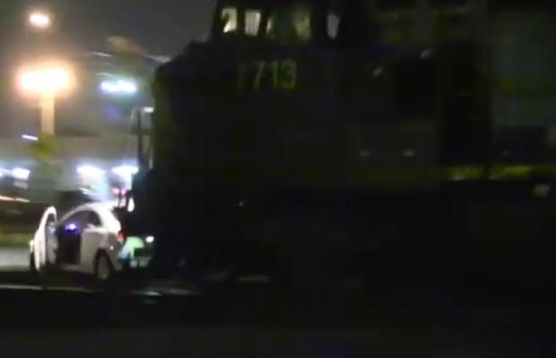 Honda Civic Coupé é atropelado por trem em Orlando (EUA) (Foto: Divulgação)