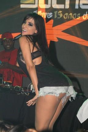Anitta faz show em São Paulo (Foto: Leo Franco e Thiago Duran/ Ag. News)