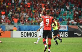 Autor de quatro gols em quatro jogos, Kieza cobra mais criação do time