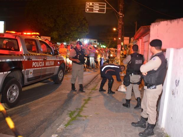 Polícia Militar e Samu estiveram no local (Foto: Walter Paparazzo/G1)