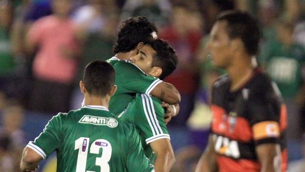 Alan Kardec comemora gol do Palmeiras contra Atlético-GO (Foto: Carlos Costa / Agência Estado)