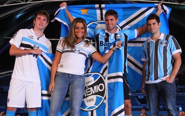Lançamento uniformes Grêmio no Olímpico (Foto: Lucas Uebel/Divulgação/Grêmio)