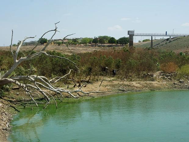 Açude Pau dos Ferros, na região Oeste do estado, está quase vazio  (Foto: Anderson Barbosa/G1)