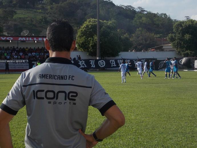 João Carlos, técnico do americano (Foto: Assessoria Americano)