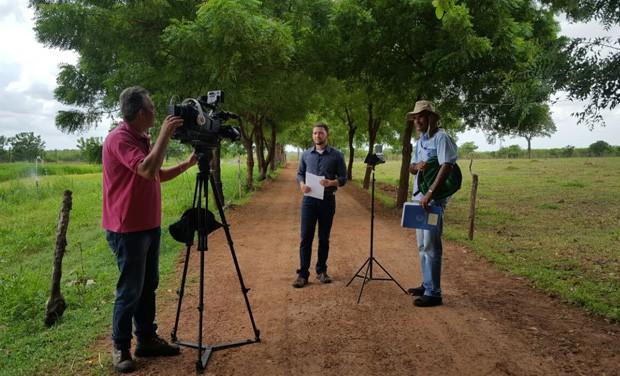 Felipe Pereira comanda o Clube Rural deste domingo (15) (Foto: TV Clube)